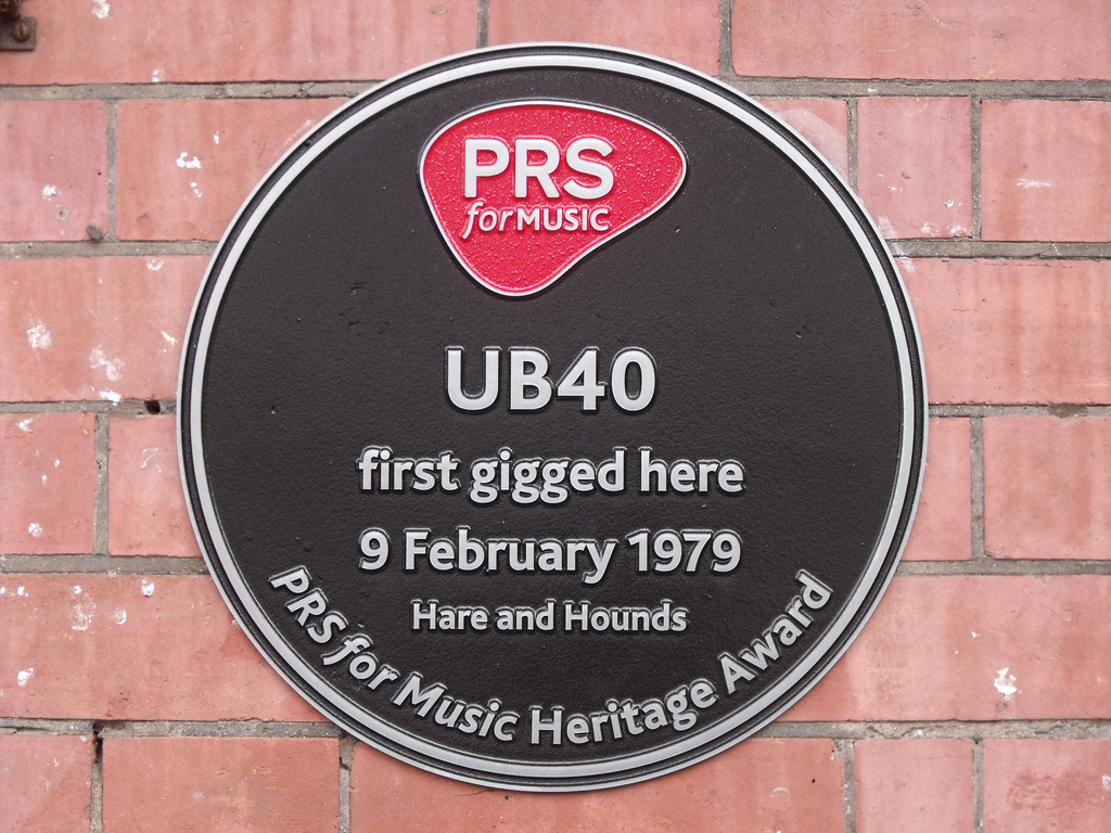 Picture of Plaque on Hare & Hounds courtesy http://openplaques.org/